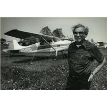 1980 Press Photo Don Pflieger operator of the Capitol Drive Airport