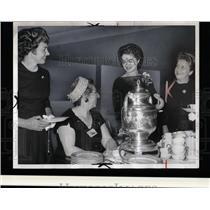 1961 Press Photo Republican Women Honor Candidate - RRW02069