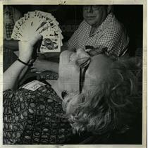 1963 Press Photo Grace Wolski pinochle game Horner Park - RRW58797