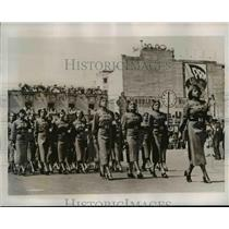 1938 Press Photo Female soldiers parade past President Cardenas at palace