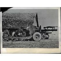1943 Press Photo Non Commissioned Officers teach Anti-Tank Platoon  - nem40578