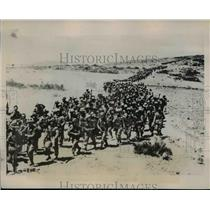 1935 Press Photo Italian Troops Cross Ethiopian Plains towards Askum - nem41708
