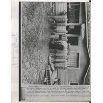 1963 Press Photo FBI agent Cache casings Dynamite Bomb - RRX90119