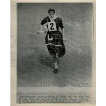 1965 Press Photo Mrs Grace Riggs Pancake Race Olney - RRW22423