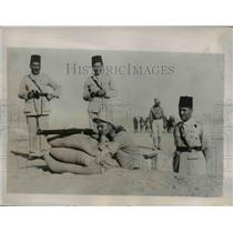1935 Press Photo Egyptian troops take war precautions at Abbasia area