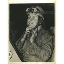 1938 Press Photo Floyd Roberts at Annual 500-Mile Automobile race - sbs09642