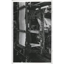 1924 Press Photo Milwaukee Journal Press Room-One conveyor on the Presses