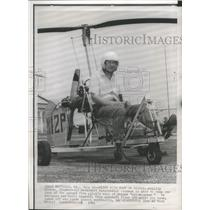 1961 Press Photo Aeronautical Inventor Phillip Sisson In a Gyro-Copter