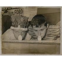 1966 Press Photo Free Fair Egg Rolling Champion - RRW56711