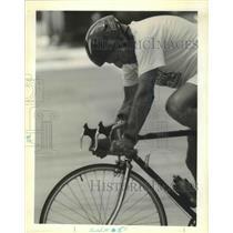 1990 Press Photo Reggie Barris, Senior Olympian, Biking