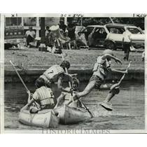 1975 Press Photo Great Paddle Race - Canoe Jousting on Bayou St. John