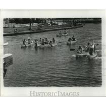 1977 Press Photo Bayou St. John - Canoe Racers on Bayou