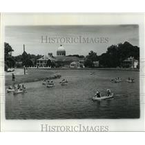 1977 Press Photo Canoe Racers on Bayou St. John, Louisiana