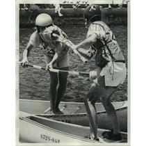 1975 Press Photo Two Jousters in Action Battle on Bayou St. John - noa28193