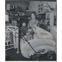 1976 Press Photo Elizabeth Broustis's Twice Upon a Time - RRW44617