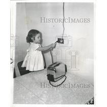 1952 Press Photo Suzette Marie Mohr electrical outlets - RRW50069