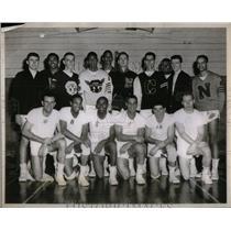 1954 Press Photo Wayne University Basketball Players - RRX55223