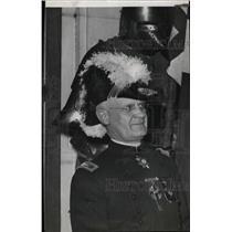 1939 Press Photo Detroit Mason Walling In Uniform - RRW76841