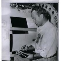 1960 Press Photo Melvin Wedan Discoverer III satellite - RRX57641