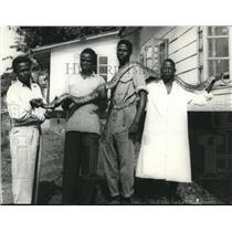 1959 Press Photo Ghana Zoo Attendants Hold a Python at University College