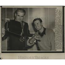 1951 Press Photo Boston-Walt Dropo rejoins Red Sox here with Dr. Ralph Mccarthy.