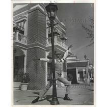 1968 Press Photo Dixieland Dancer Bill Chaison at Astroworld, Texas - hca00385