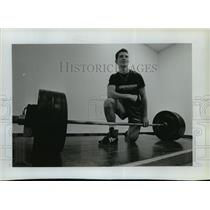1994 Press Photo Giorgio Usai Jr. breaks weightlifting record for age group