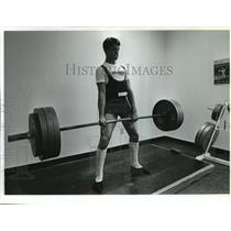 1993 Press Photo Giorgio Usai Jr. age 15, weightlifter hefts 385 lbs.