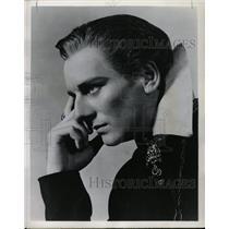 1951 Press Photo John Gielgud on NBC TV - RRW27431