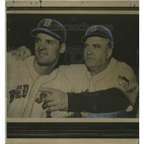 1951 Press Photo Walt Dropo with Red Sox baseball Manager Steve O'Neill