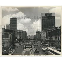 1962 Press Photo Sao Paulo, Brazil - Daytime Street View, Downtown - nox07818