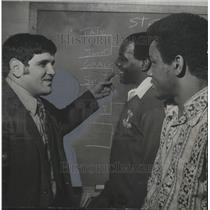 1972 Press Photo Wrestling Coach Chimento With Alabama Champions Tate, Jermell