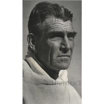 1958 Press Photo University Of Alabama Assistant Football Line Coach Hank Crisp