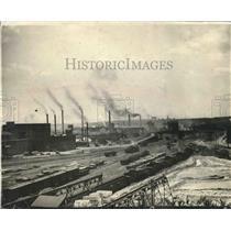 1924 Press Photo Industry-Menomonee Valley, Wisconsin Railroads and Smokestacks