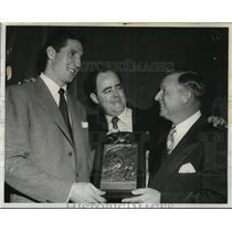 1952 Press Photo Dodger manager Chuck Dressen, Bob Thomson of Giants - nes54974