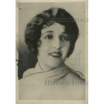1929 Press Photo Actress Carmel Myers Announces Engagement to Richard H. Blum