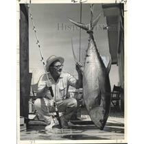 1966 Press Photo Dr. James W. Burks of New Orleans With Tuna - nox11600