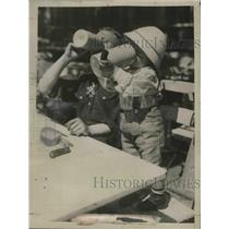 1927 Press Photo Man and child drink from steins in Munich, Germany - mjx38833