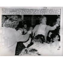 1962 Press Photo Strike Ford Housewives Protest