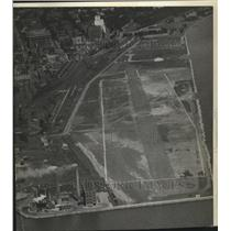 1945 Press Photo Milwaukee Airport Maitland Field - mjx38274