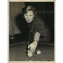 1935 Press Photo Irene Hummel of N.Y. in Women National Amateur Pocket Billards