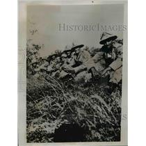 1935 Press Photo Italian Troops Resting in the Hills Before Invading Army Attack
