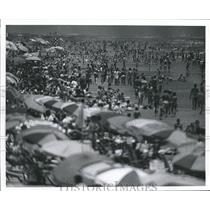 1969 Press Photo Galveston, Texas, Stewart Beach is Packed with People