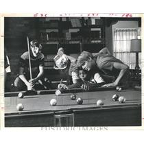 1975 Press Photo Doug Sisk gets help on lining up pool shot, Boys' Country