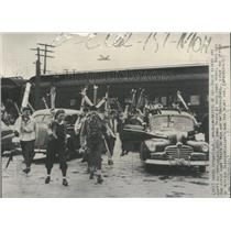 1946 Press Photo Skier Snow Train North Conway