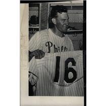 Press Photo Delmer Ennis Philadelphia Phillies Fielder - RRW74107