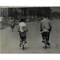 1969 Press Photo Larry Kostka Karen Philip Bicycles - RRW05193