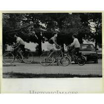 1984 Press Photo Bikes cars share paths safety take rd - RRW05207