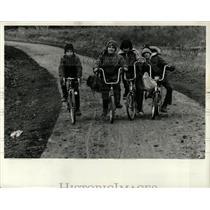 1977 Press Photo Bike Trail forest preserve salt creek - RRW05235