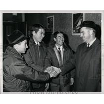 1967 Press Photo Takashi Fujisawa Harold Rud US Ski Ass - RRX79609